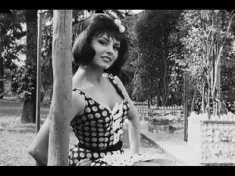 Платье с пояском песня