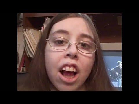 sie denkt sie kann gut singen...