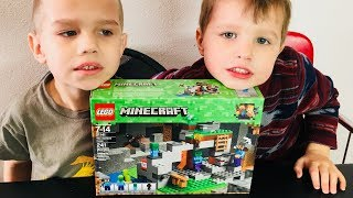 Lego Minecraft The Zombie Cave 21141 Build and Play