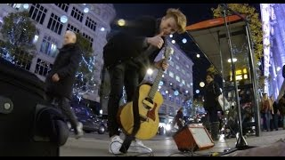 Halo - Beyonce Cover - Tim Newman Busking on Oxford Street London