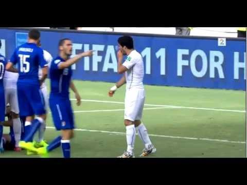 Luis Suarez bites Giorgio Chiellini (Uruguay vs Italy World cup 2014)