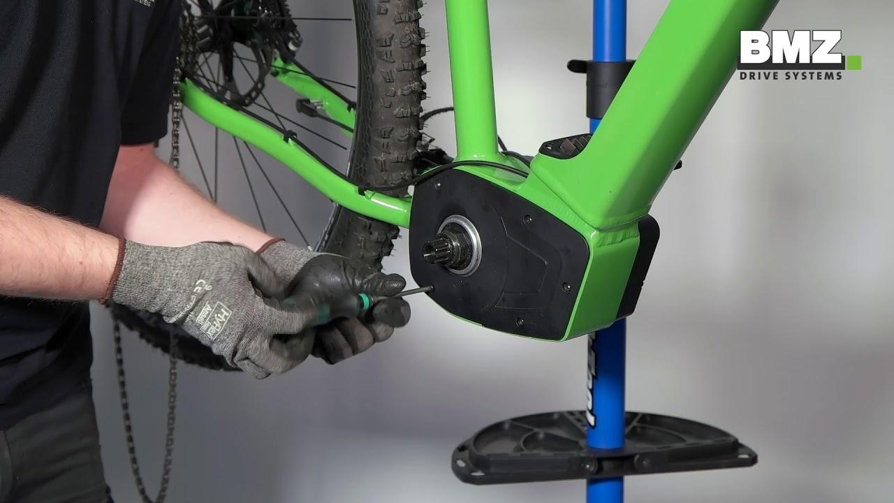 5f3c4e76aca 06 E-Bike: Remove of the e-bike motor - YouTube