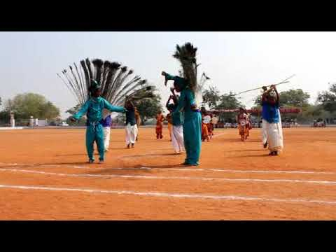 Aalaporan thamizhan song showing our tamil culture by primary kids