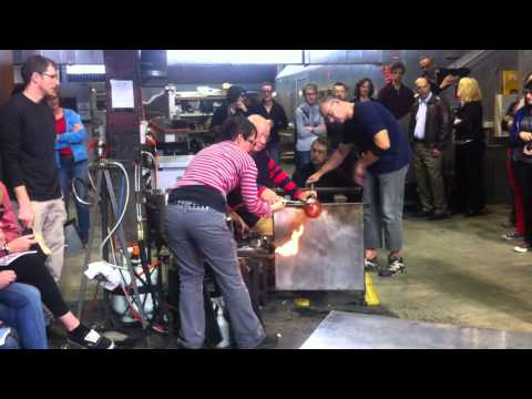 Part II Lino Tagliapietra in action at Canberra Glassworks Sept2012