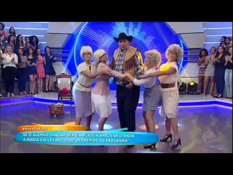 Alemão Dança No Palco Do Hora Do Faro E Faz Sucesso Com A Plateia