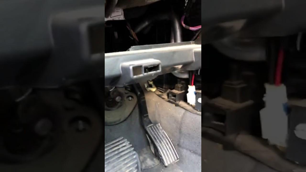 How To Change Passenger Compartment Filter Peugeot 407 Cum Se Motor Blower 406 Nlocuiete Filtrul De Polen