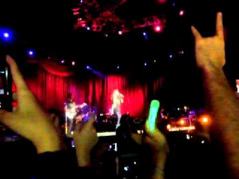 Avril Lavigne: Complicated LIVE Caracas, Venezuela