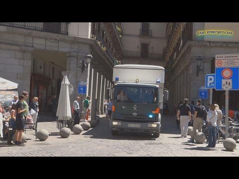 Escolta (Motorcade) a los camiones del escuadrón de la Guardia Civil