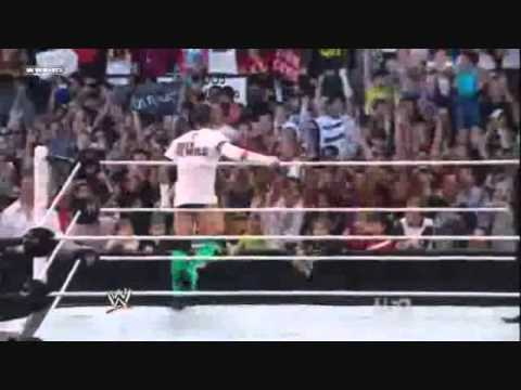 CM Punk entrance in Mexico City, Mexico. WWE RAW 10/17/11!