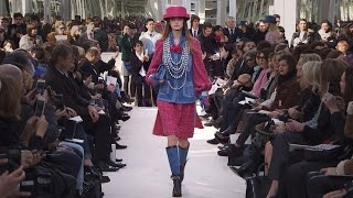 Fall-Winter 2016/17 Ready-to-Wear CHANEL Show(More on http://chanel.com/-fall-winter-rtw-2017 The full film of the CHANEL Fall-Winter 2016/17 Ready-to-Wear fashion show that took place on March 8th, 2015 ..., 2016-03-09T09:34:12.000Z)