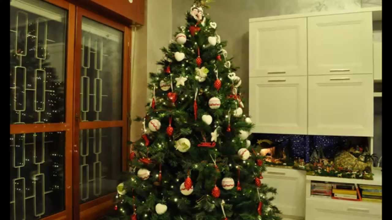 Come fare lalbero di natale: gli addobbi in un minuto - YouTube