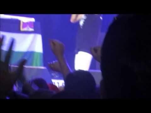 Keny Arkana - Jeunesse du monde subtitulado en español (Live Dour 2013)