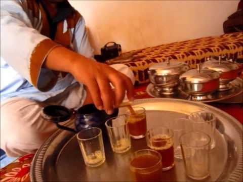 Making Saharawi tea