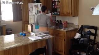 жена танцует на кухне или что делают женщины на кухне(Описание., 2015-05-25T03:30:56.000Z)