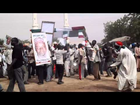 P3040658Vid16.MP4(Mohammed Goni 2011 PDP Campaign Video)
