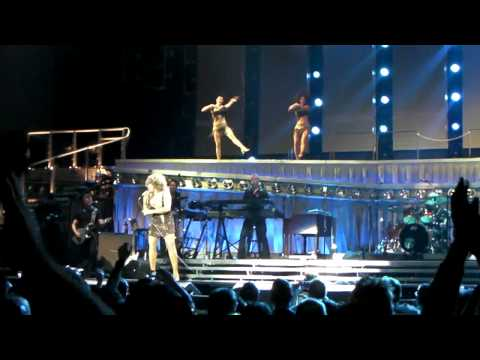 "Tina Turner: Live In Concert Tour 2009 @ The O2 London HD 08/03/2009 "" Simply The Best """