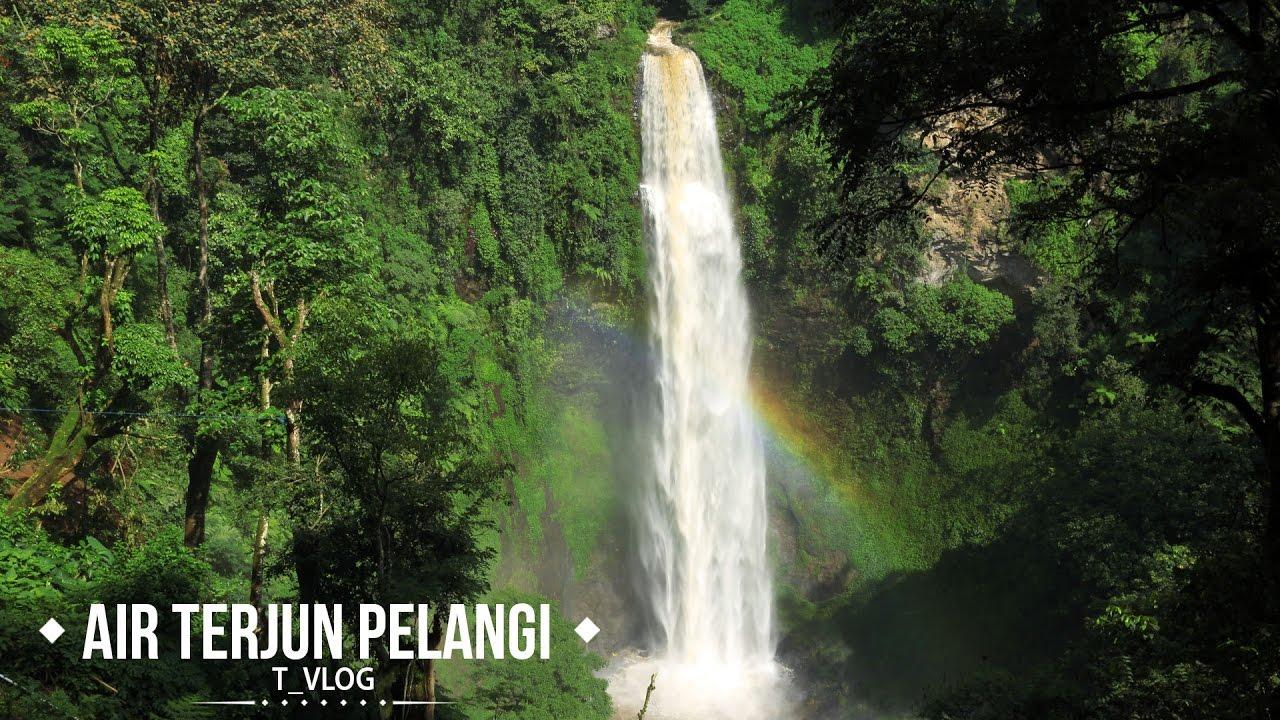 Menikmati Air Terjun Pelangi, Cimahi , Bandung