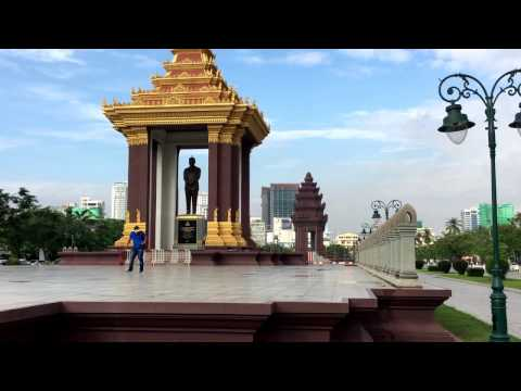 Tour & Sightseeing: Visit Independent Monument Park - Phnom Penh, Cambodia