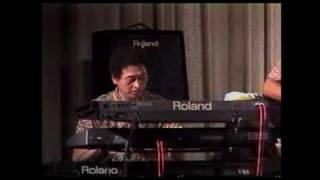 サンタナの有名な曲。これも2000年頃の映像。