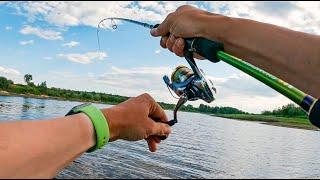 Ловля ЩУКИ и ОКУНЯ в ЖАРУ И снова эта приманка работает Рыбалка на спиннинг река Тавда июль 2021