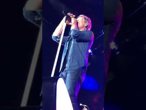Bon Jovi - BORN TO BE MY BABY - Endicot, NY - 8-18-17