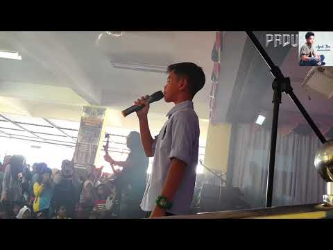 Mizan ( anak harry khalifah ) - sebak nyanyi lagu ayah ibu..live...