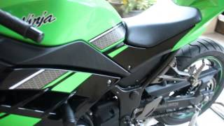 Kawasaki ninja 250 FI with yoshimura USA slip on exhaust.mp4