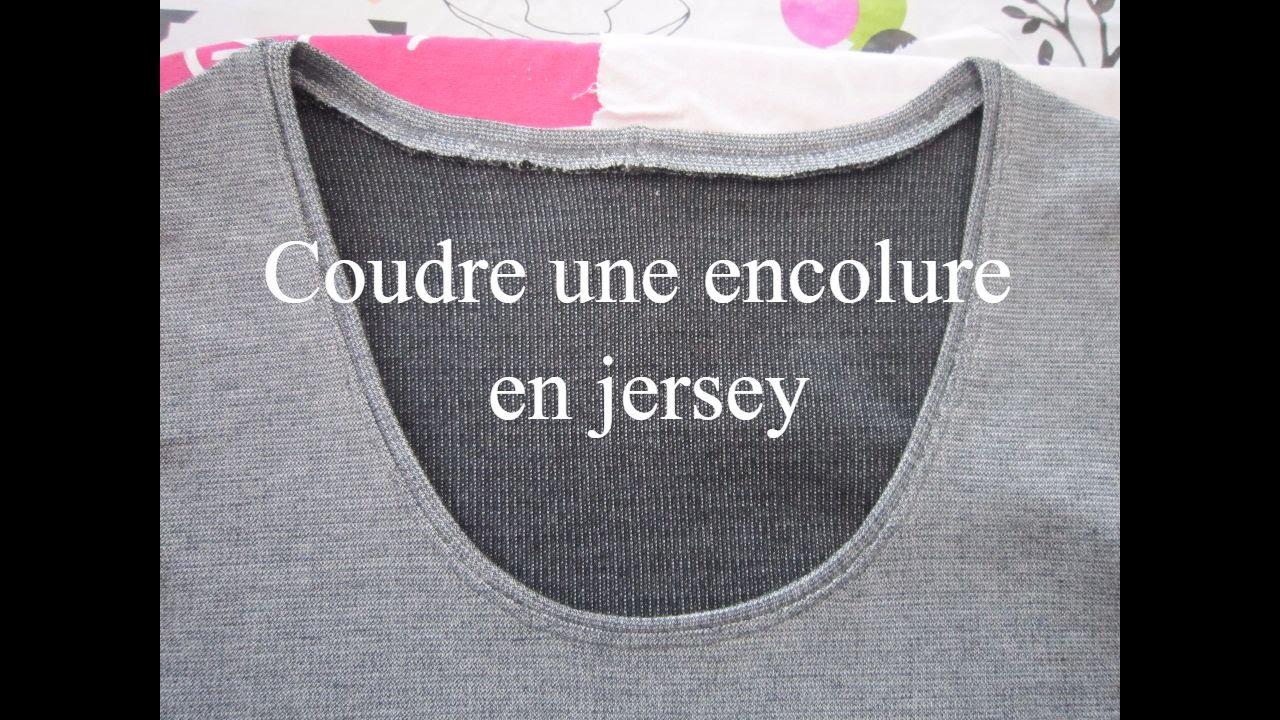 Coudre une encolure en Jersey sur un haut en jersey - YouTube 5bec11bb1c14