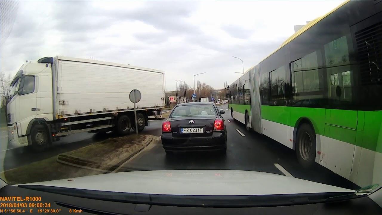 Uprzejmy jak... kierowca autobusu