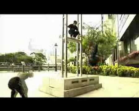 The Straits Times Razor Tv Trailer - Extreme Freerunners