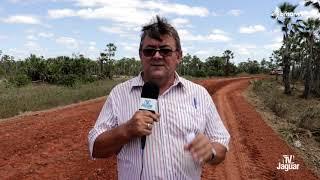 A Prefeitura de Quixeré através da SEINFRA recupera estrada que liga Água Fria a divisa com Russas.