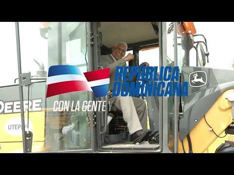 VIDEO: Productores de proyectos desarrollo agroforestal reciben 7 motoniveladoras para facilitar transporte de plantas