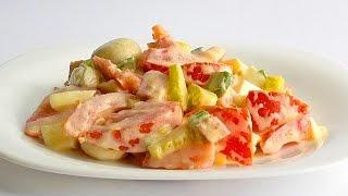 Салат с Грибами, Колбасой и Помидорами кулинарный видео рецепт(Один из простых и быстрых салатов, готовить которые – одно удовольствие. Пока варятся яйца, можно нарезать..., 2014-07-30T03:00:01.000Z)