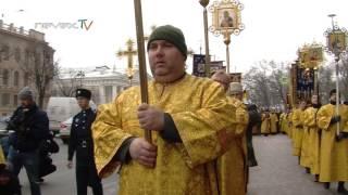 Как депутат Милонов вокруг Исаакия ходил