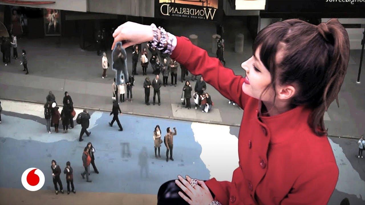 El artista español que conquistó Times Square con su magia tecnológica