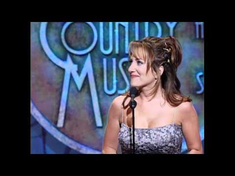 Lee Ann Womack Wins Top New Female Vocalist - ACM Awards 1998