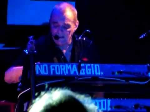 Stranglers - Walk on by (Dionne Warwick cover) @ Roncade 12/04/14 (08/12)