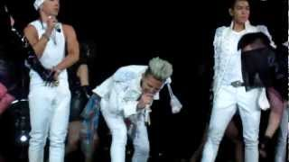 Video Big Bang - Speaking English + Fantastic Baby Live Fancam [Alive Galaxy Tour NJ, USA] download MP3, 3GP, MP4, WEBM, AVI, FLV Juli 2018