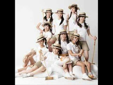 06 SNSD - Merry-Go-Round