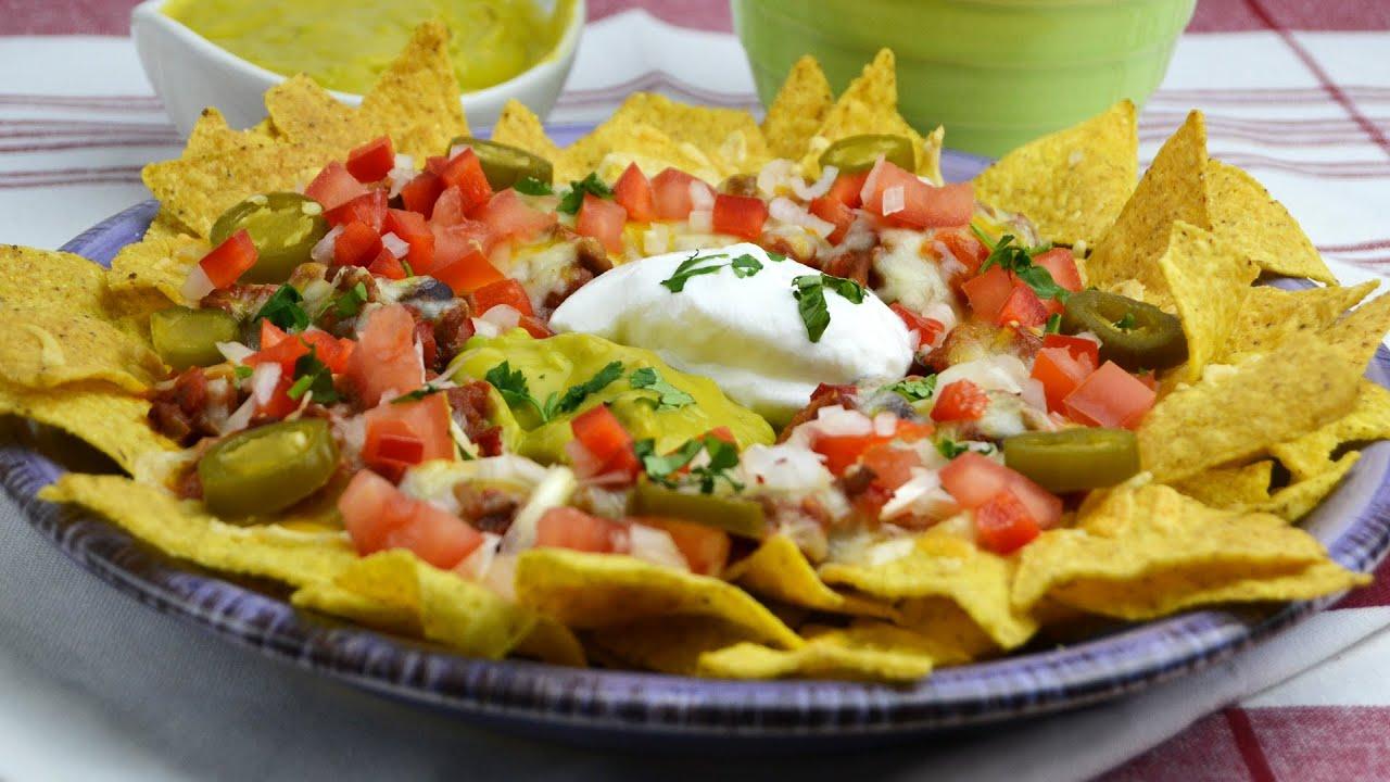 nachos con chili y queso