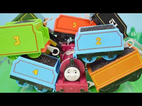 TENDERS World's STRONGEST Engine 186: Thomas and Friends Video for Children