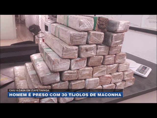 Caiu a casa em Itapetininga: homem é preso com 30 tijolos de maconha