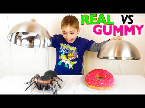 REAL VS GUMMY FOOD CHALLENGE - Vraies Choses ou Bonbons ?