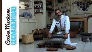 El Metate. como se usa el metate Utensilios Mexicanos,Yuri de Gortari