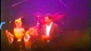 cheb khaled et chikha jenia live a paris en 1999