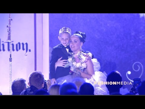Katy Perry performs Teenage Dream at 2016 Children's Hospital LA 'Once Upon a Time' Gala
