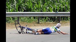 Momenti sconvolgenti nel ciclismo