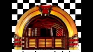VinylNostalgia Logo