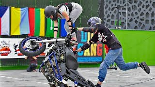 Teens Make Awesome Tandem Stunts