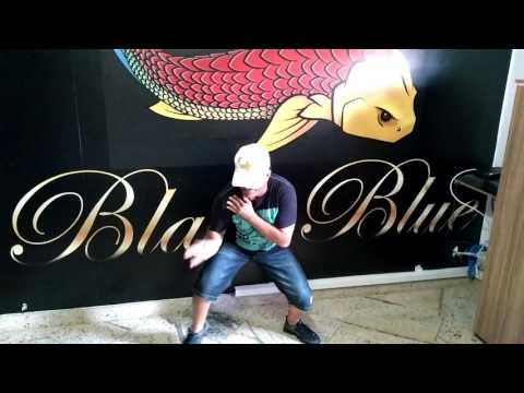 Ostentando na Black Blue